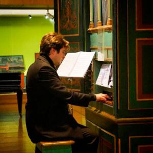Daniel Oliveira, organista, de Alenquer