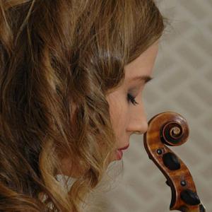 Gabriela Peixoto, violinista, de Barcelos