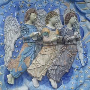 Anjos cantores na escadaria do Santuário do Sameiro, Braga, Portugal