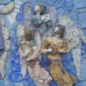 Anjos músicos na escadaria do Santuário do Sameiro, Braga, Portugal