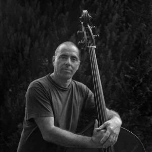 Carlos Barreto, contrabaixista, de Cascais
