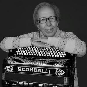 Eugénia Lima, acordeonista, de Castelo Branco