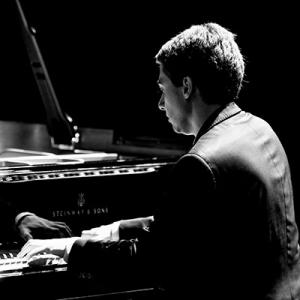 Bernardo Santos, pianista natural de Coimbra, Portugal