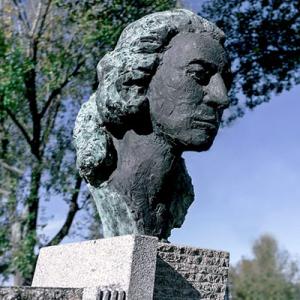 Busto de Guilhermina Suggia, por Helder de Carvalho