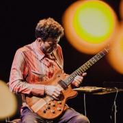 Vítor Rua, guitarrista e compositor, de Mesão Frio
