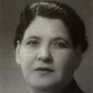 Maria do Carmo Torres, cantora, de Olhão