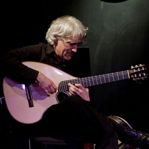José Peixoto, guitarrista, de Sobral de Monte Agraço