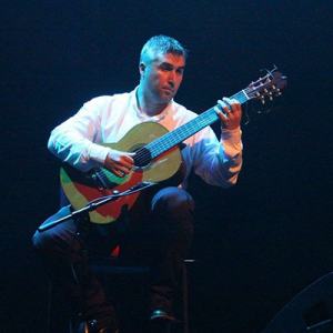 Aires Pinheiro, guitarrista, de Vila do Conde