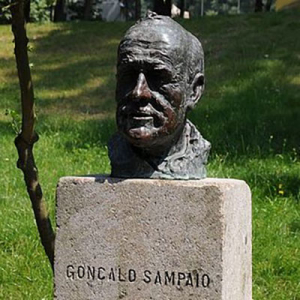 Gonçalo Sampaio, folclorista, de Braga, busto no Parque da Ponte
