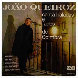 João Queiroz canta baladas e fados de Coimbra
