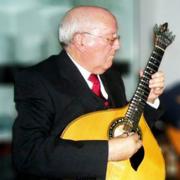 Acácio Gomes, guitarra portuguesa, de Mogadouro