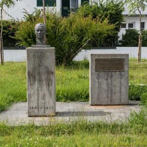 Monumento a Armando Cortes Rodrigues, folclorista