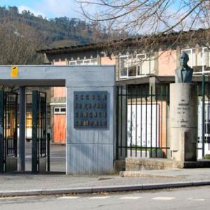 Monumento a Gonçalo Sampaio e Escola