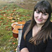 Rebeca Oliveira, guitarra, de Santa Cruz