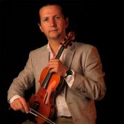 Norberto Gomes, violinista, de Santana