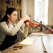 Elise Derochefort, luthier, em Lisboa